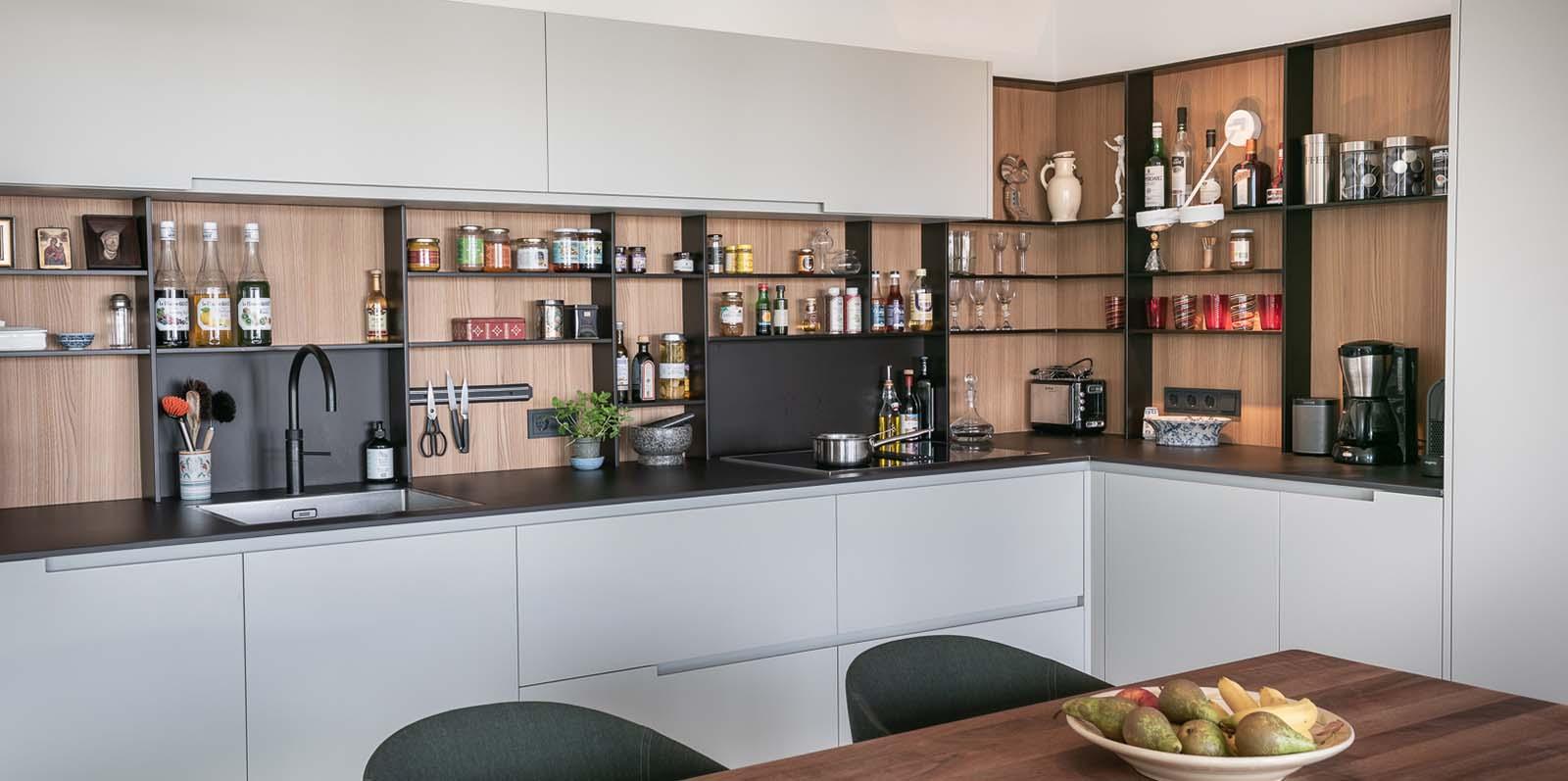 van groot naar klein verhuizen vraagt om een open keuken in een appartement